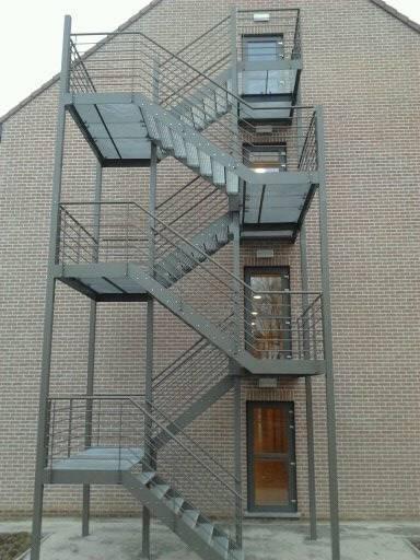 Sas reseau fermetures escalier for Cage escalier exterieur